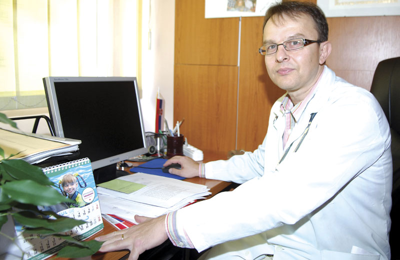 dr. Vladislav Vukomanović, Institut za majku i dete