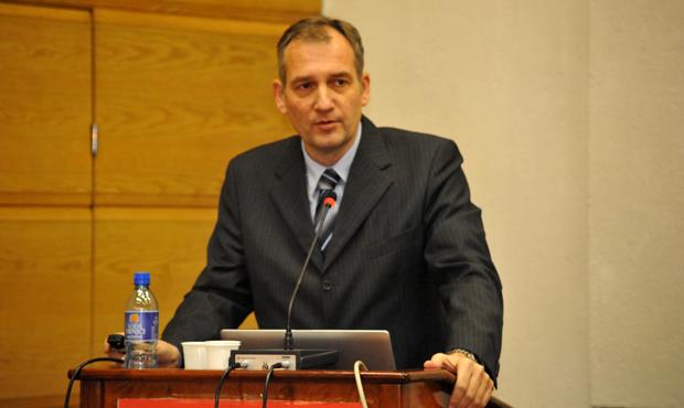 državni sekretar u ministarstvu privrede g. Miloš Petrović